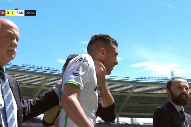 Torino-Sassuolo: Bourabia segna, alza la maglia e viene espulso