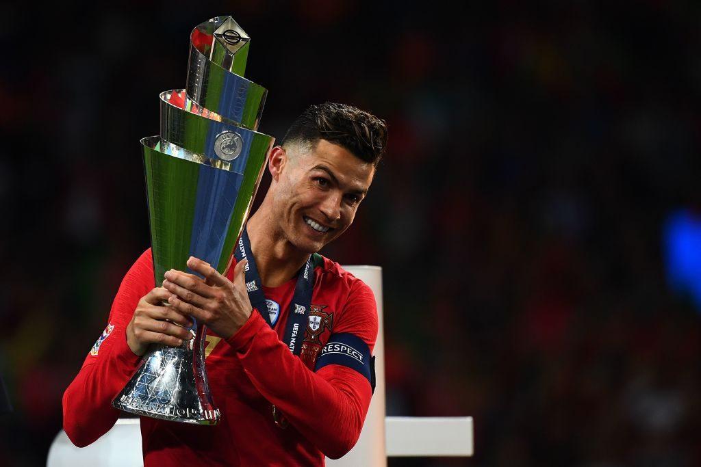 Forbes, la classifica degli sportivi più pagati: Messi primo davanti a CR7