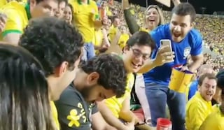 Copa América 2019, tifoso si addormenta durante la partita inaugurale Brasile-Bolivia