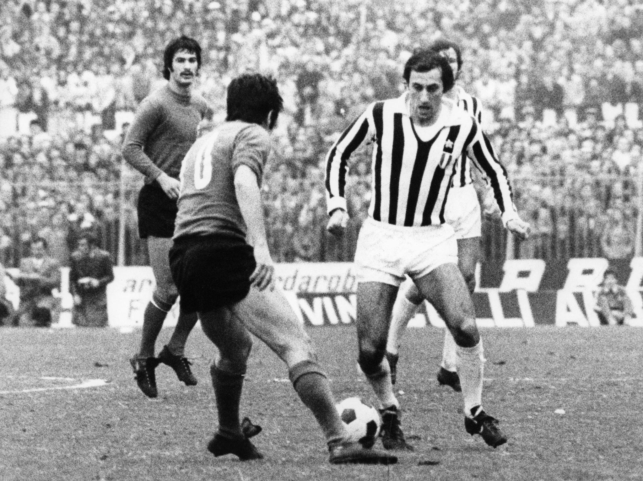 Giuseppe Furino con la maglia numero 4 della Juventus