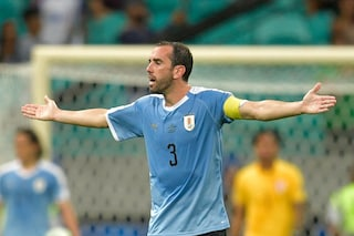 Calciomercato, Conte abbraccia Godin: il mix ideale tra Chiellini e Barzagli