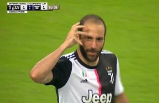 L'esultanza alla Luca Toni di Gonzalo Higuain: vi ricordate che so fare gol così?