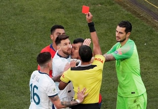 """Argentina, Messi salta la premiazione e critica la Conmebol: """"Basta con questa corruzione"""""""