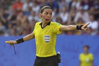 Uefa, decisione storica: Liverpool-Chelsea sarà diretta da un arbitro donna