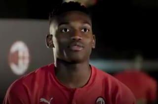 """Milan, parla Leao: """"Questo è un grande club, lo sceglievo sempre alla PlayStation"""""""