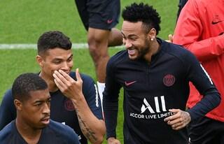 Dietrofront Psg, accettata l'offerta del Barça: 150 milioni, Rakitic e Todibo per Neymar