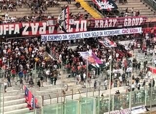 """Taranto, cori e striscioni per Nadia Toffa allo stadio: """"Siamo pazzi di te"""""""