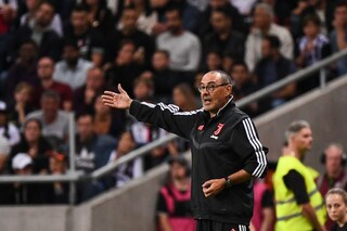 Maurizio Sarri in panchina in Fiorentina-Juventus, l'annuncio ufficiale