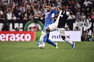 Douglas Costa sfotte i tifosi del Napoli: l'esultanza fa discutere e diventa virale