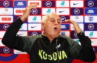 Conferenza show del ct del Kosovo: Bernard Challandes come Trapattoni