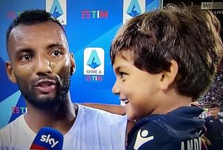 """Cagliari, il figlioletto di Joao Pedro dopo il gol: """"Bravo papà ma hai tirato anche fuori"""""""