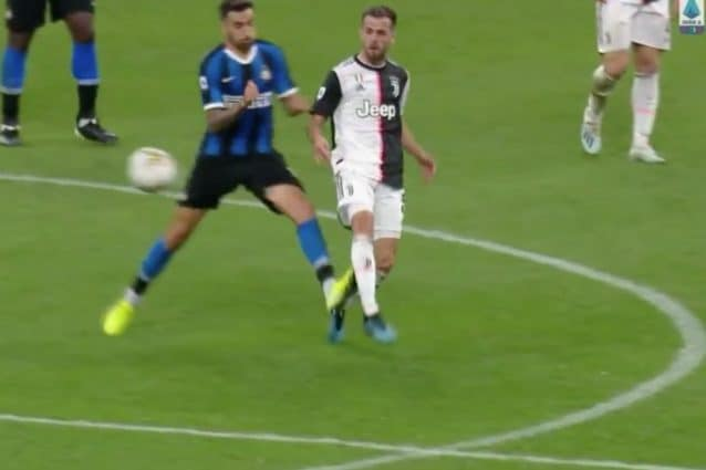 Inter-Juventus 1-2: Higuain ancora decisivo, la Juventus spodesta l'Inter dal primato