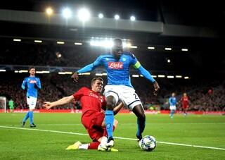 Ancelotti si scopre mago di Coppa e imbriglia Klopp. Napoli (quasi) perfetto ad Anfield