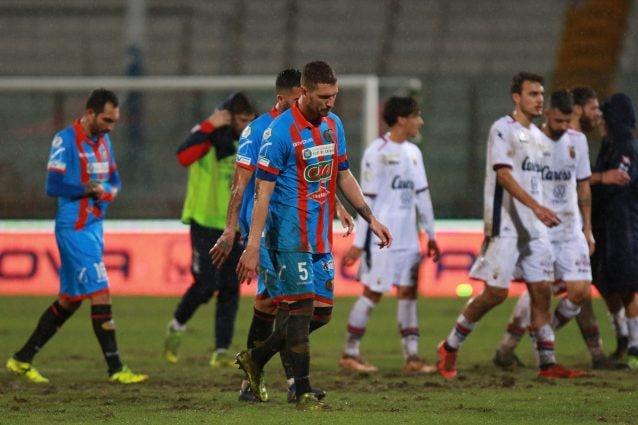 Incredibile Catania, tutti i calciatori si liberano: