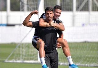 """Sami Khedira, foto con Ronaldo e messaggio post-intervento: """"Tornerò più forte di prima"""""""