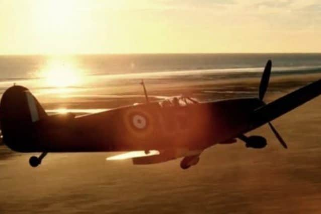 La scena di Dunkirk con protagonista Dan Friedkin