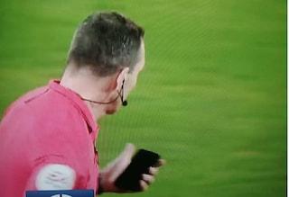 Lanciò smartphone in campo in Norwich-Tottenham, tifoso arrestato