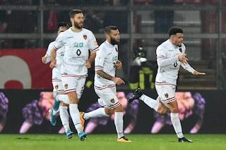 Serie B, Cosenza rimonta due volte il Perugia: Riviere firma il 2-2 in acrobazia al Curi