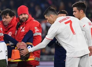 Roma-Juventus, il bel gesto di Cristiano Ronaldo: la carezza a Zaniolo dopo l'infortunio