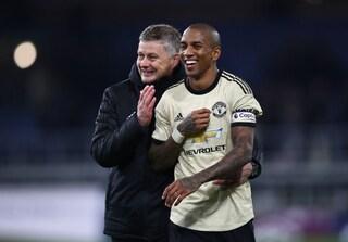 """Inter-Ashley Young, la chiusura di mercato di Solskjaer: """"Non lascerà lo United a gennaio"""""""