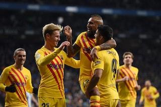 Espanyol-Barça 2-2: Vidal entra e fa gol ma non basta, aggancio del Real. L'Inter osserva