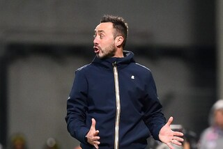 "Sassuolo, De Zerbi contro arbitro e Var: ""Rigore dato al Genoa scandaloso"""