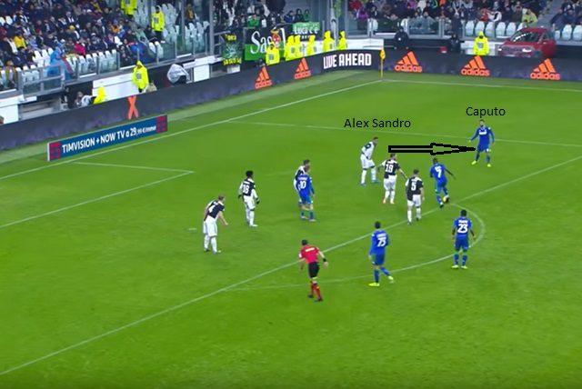 Errore in Juventus – Sassuolo: Alex Sandro lascia tanto spazio a Caputo