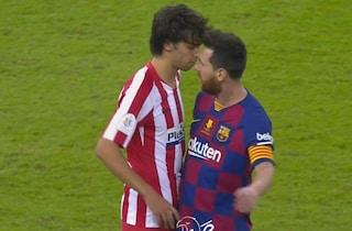 Joao Felix contro tutti: testata a Messi, muso a muso con Suarez, sberla a Jordi Alba