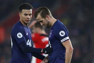 Tottenham, Harry Kane si opera al ginocchio dopo l'infortunio: 3-4 mesi di stop