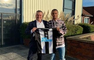 Inter, ufficiale, Valentino Lazaro passa (in prestito) al Newcastle