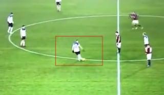 Rabona di Pasalic su punizione, fa infuriare il Torino per mancanza di rispetto