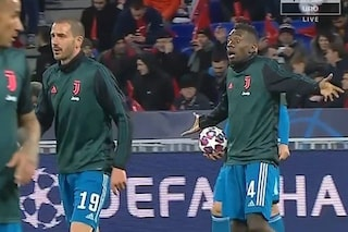 Lione-Juventus, Bonucci rimprovera Matuidi nel riscaldamento: attimi di tensione tra i due