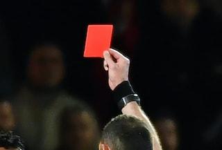 Testata ad un calciatore, arbitro punito con il Daspo: è la prima volta in Italia