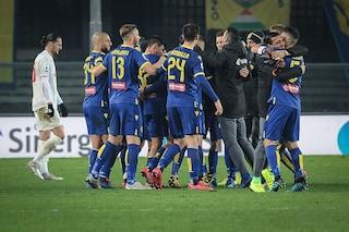 L'11 del Verona che ha battuto la Juve è costato meno di un anno di stipendio di Ramsey