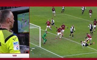 Milan-Juventus, fallo di mano di Calabria su Cristiano Ronaldo: perchè è calcio di rigore